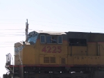 UP 4225 wheel boss gives a wave at 10:24am