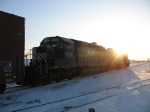 HLCX 8155 & GCFX 3060 leading Q335 away into the sunset