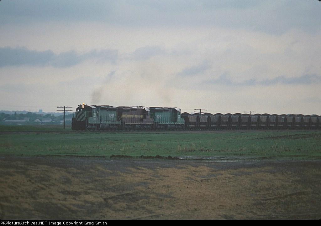 BN all rail ore train