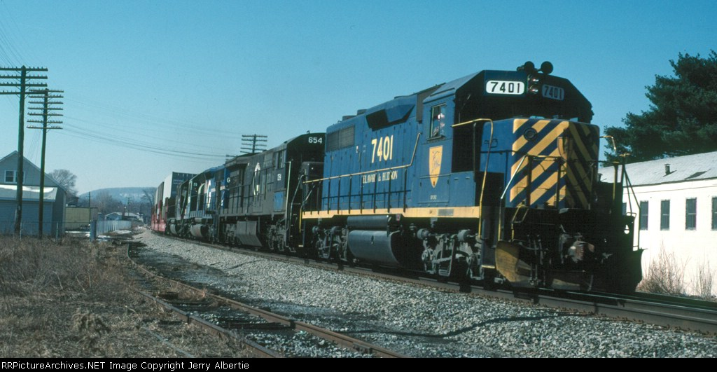 DH 7401 leading TV94