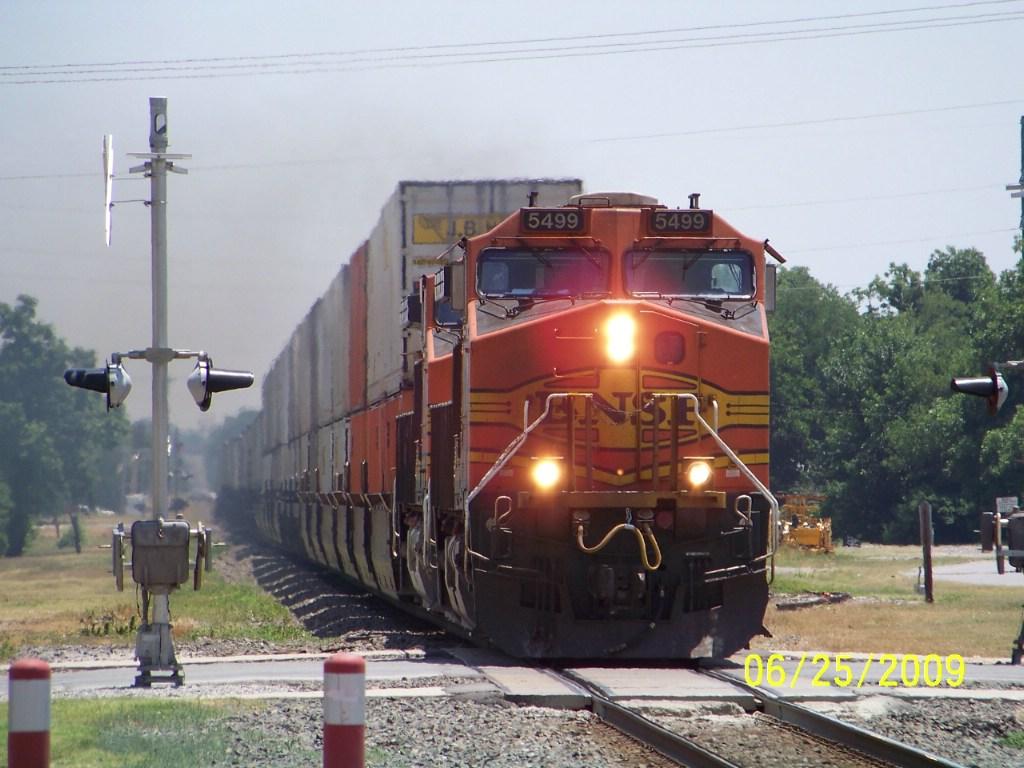 BNSF C44-9W 5499