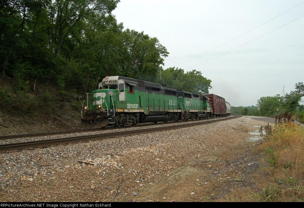 BNSF 2821