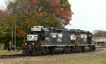 Sisters  5054 and 5053 at Yadkin Jct.