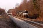 NS 172 slows and it gets ready to enter linwood yard