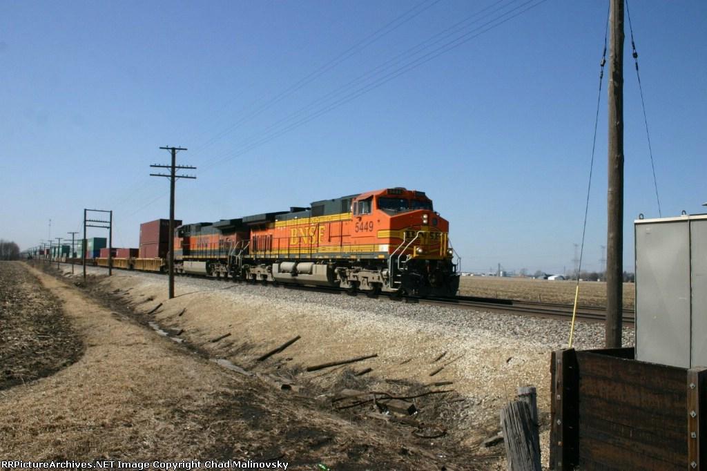 BNSF 5449 east