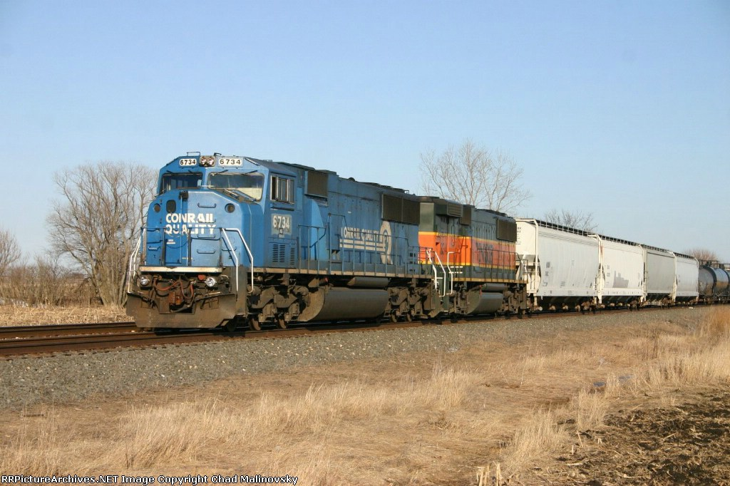 NS 6734 waits for a new crew
