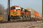BNSF 5333 races west at almost 70 per