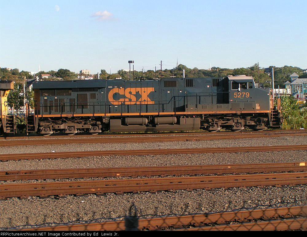 CSX 5279 AT NORTH BERGEN