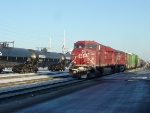CP 8800 on 281 making a crew change stop