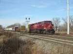 CP 8519 clicks and clacks down the siding with eastbound #280