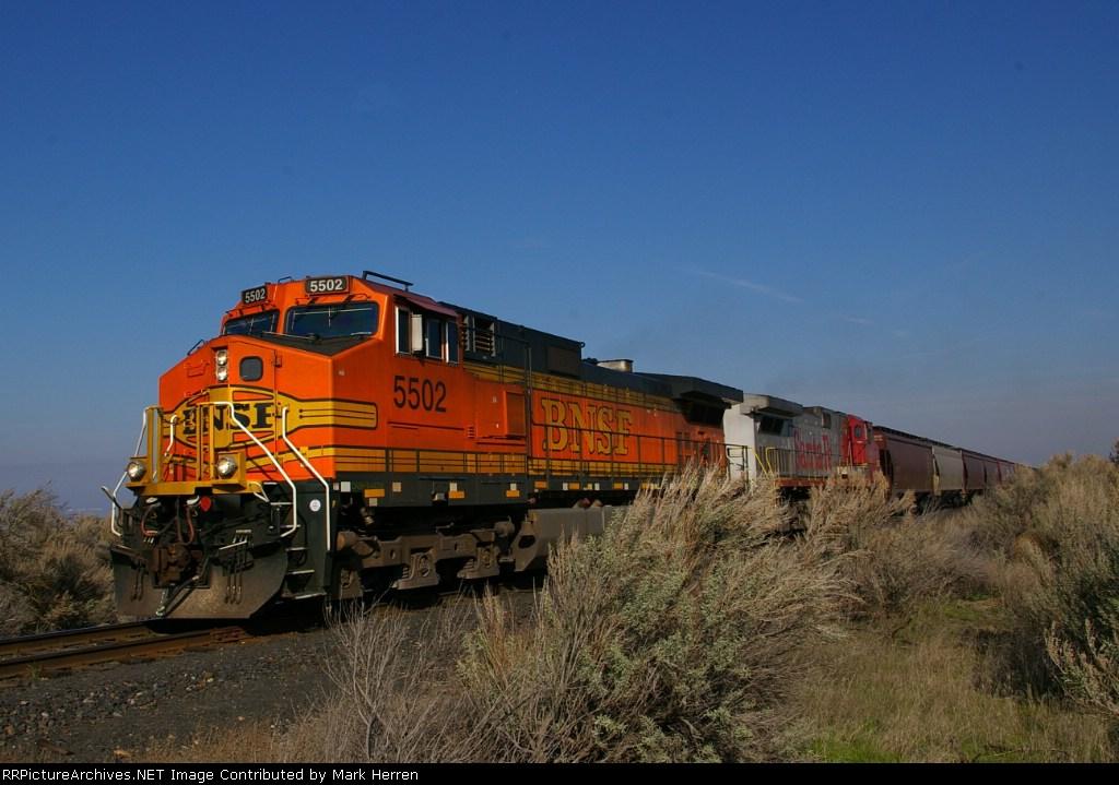 BNSF 5502 & Sagebrush