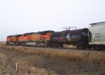 BNSF 5678 & BNSF 5767 Head North with Mixed Freight