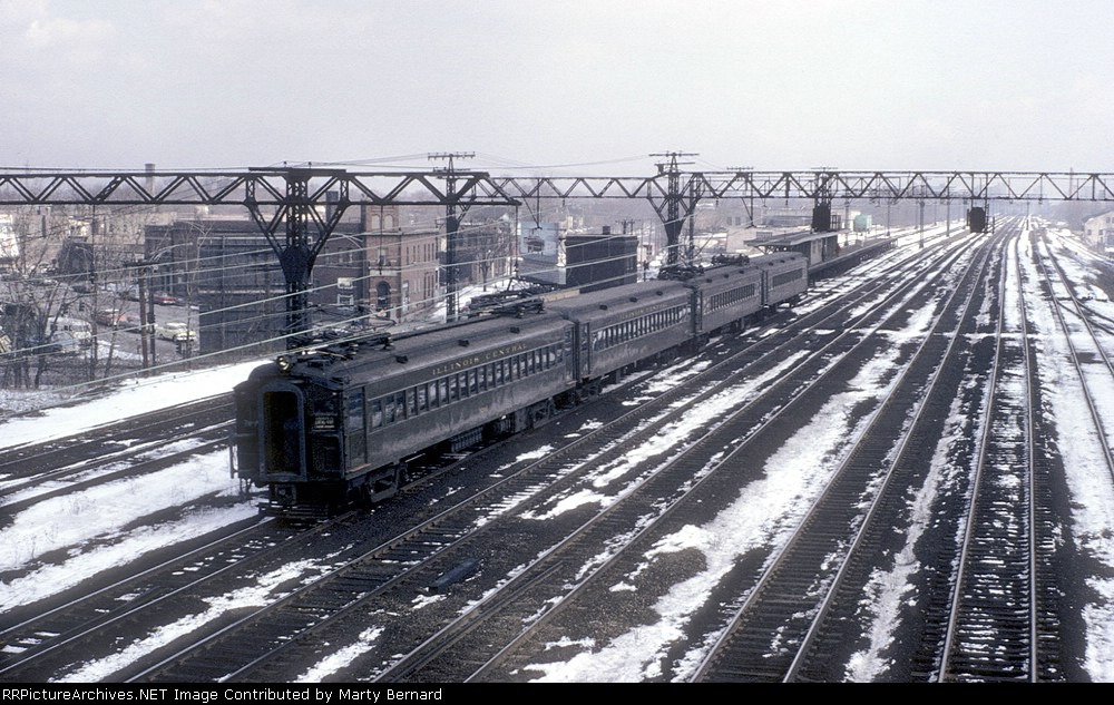 A Northbound Illinois Central Commuter Approaching the 75th Street (Grand Crossing) Station.