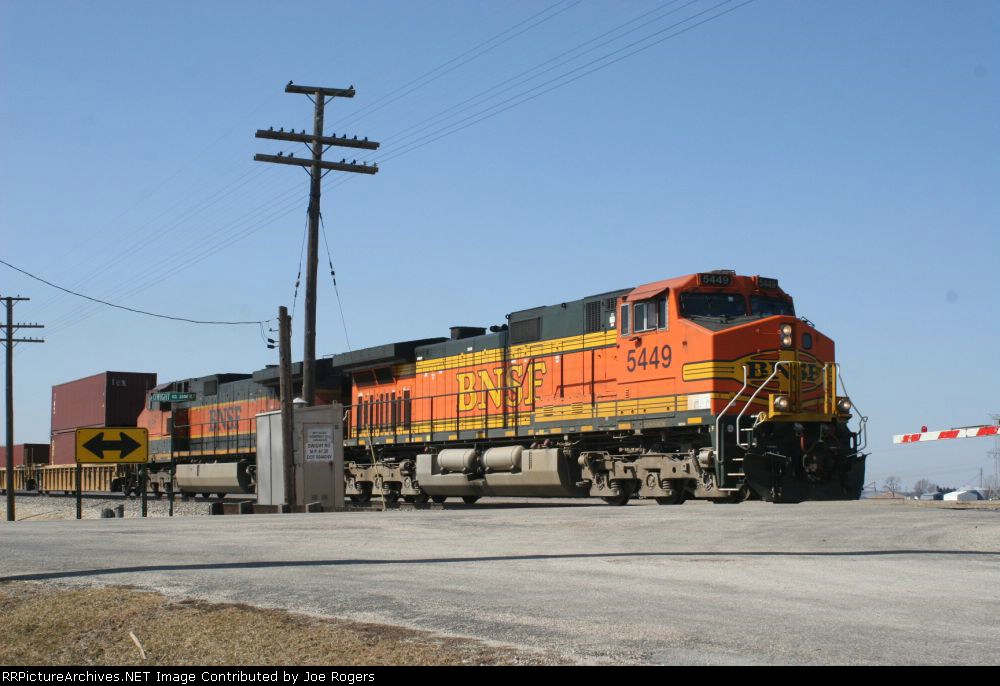 BNSF 5449