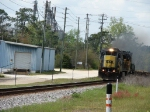 CSX 7509 Leading a Baretable Train