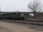 BNSF 6794 leads U-CHCHVR1-23A into La Crosse Yard