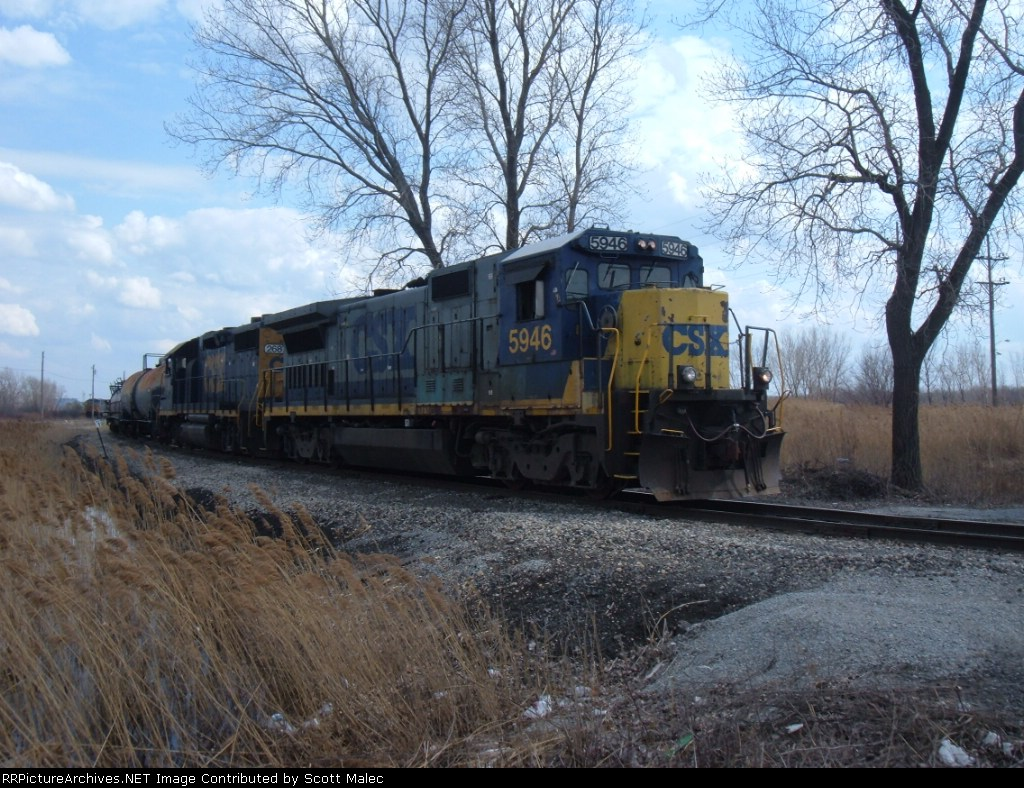 CSX 5946 & 2687