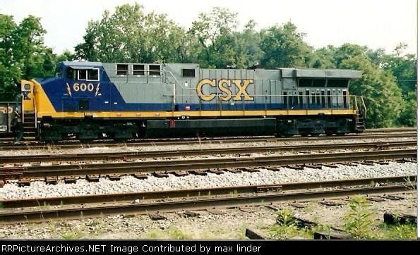 CSX 600