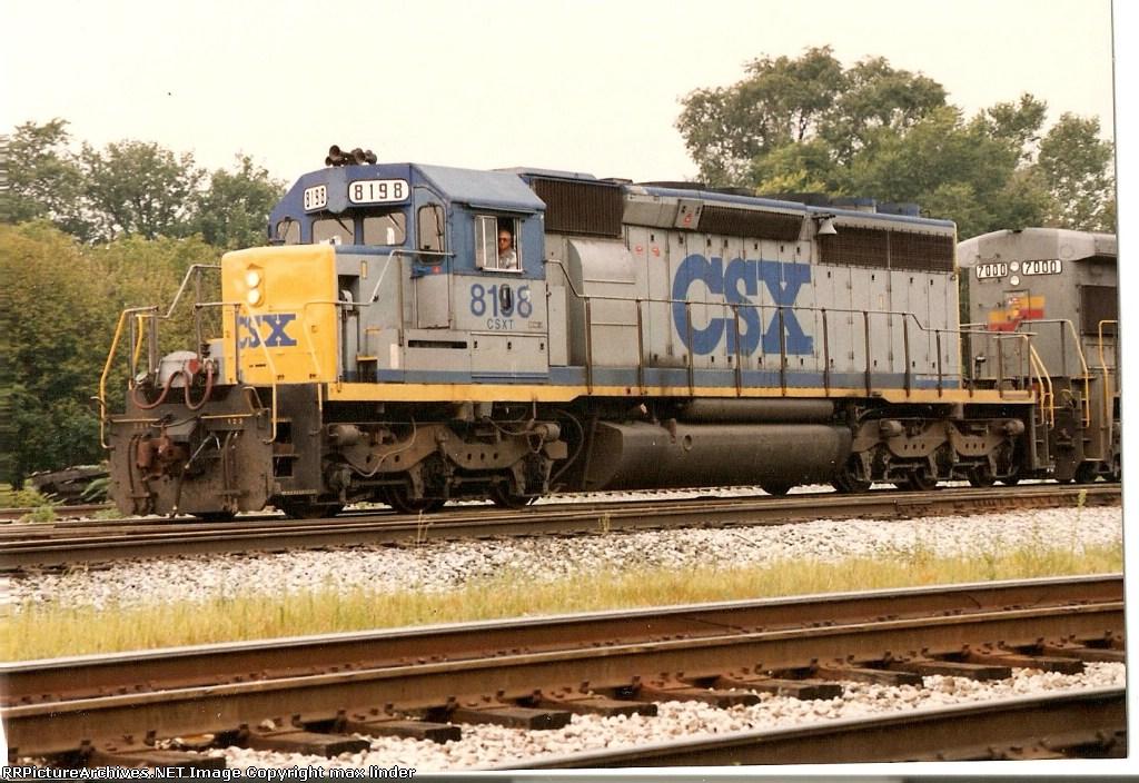 CSX 8198