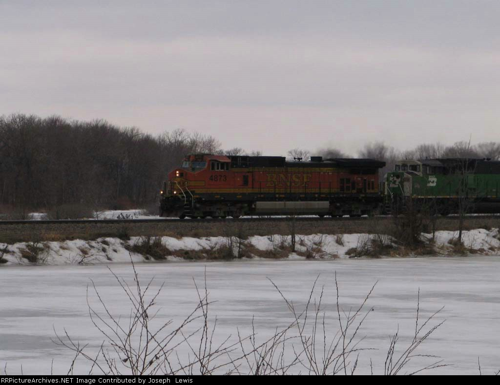 BNSF 4873 leads Stack train EB