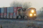 BNSF 4105 at the last moment of sun