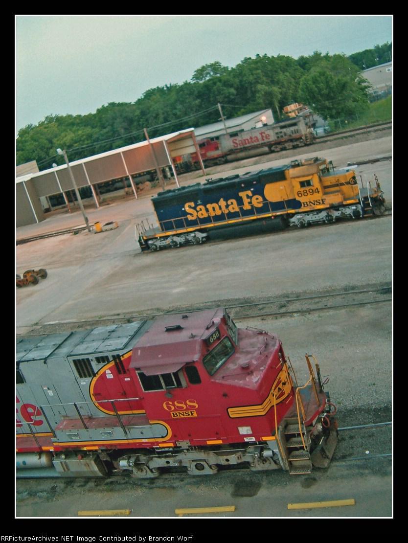 BNSF 6894