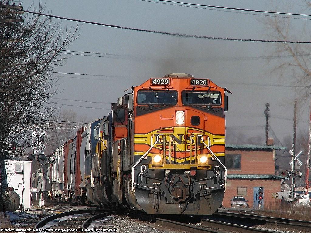 BNSF 4929 Q380