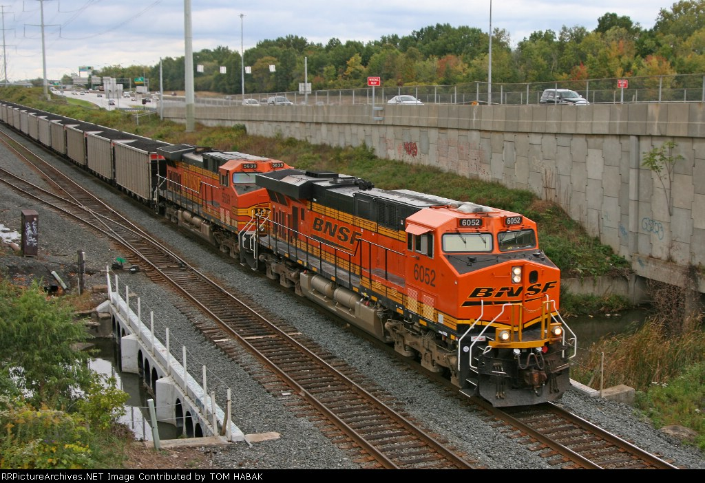 BNSF 6052 on CSX N891-11