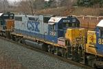 CSX 2551 on Q380-11
