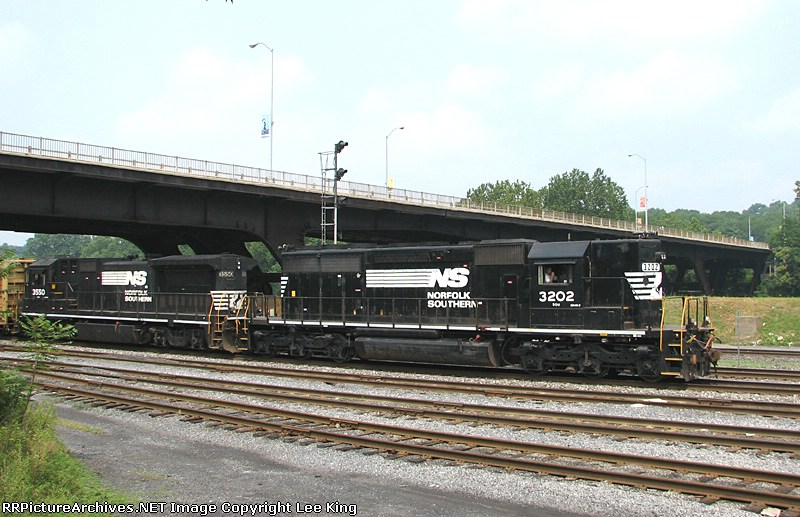 NS 3202 H76