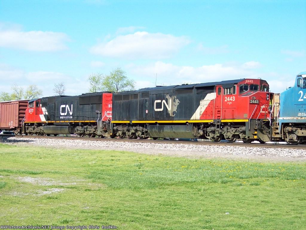 CN 2443