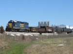 CSX 2578 rolling down the siding with D908 after meeting Q326