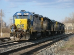 CSX 2520, 2640, 2509, 6049 & 2675 heading in to the yard to be split up for use on D700, D708 & Y121