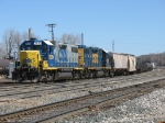 CSX 2520 & 2640 bring D908 back to the yard after spending the night switching east of town