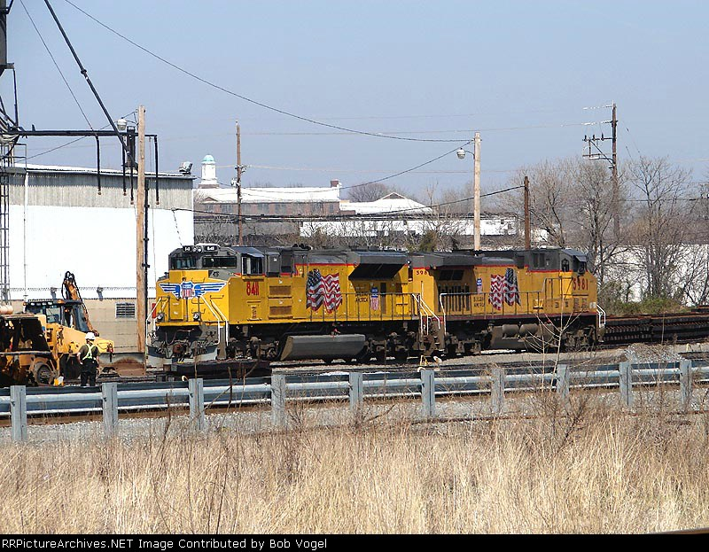UP 8411 & 5981