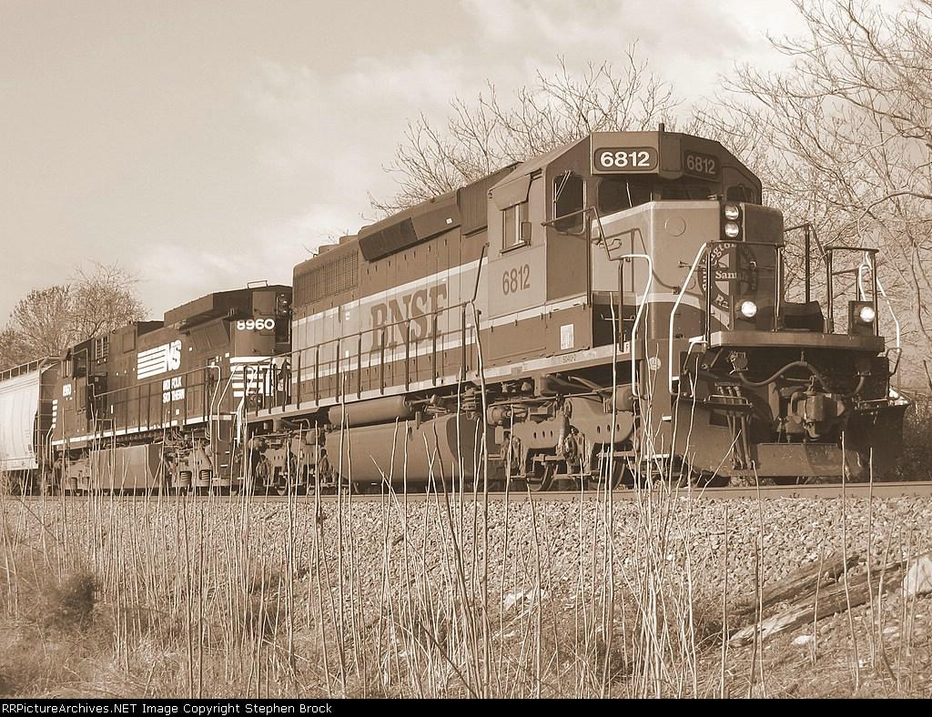BNSF 6812 & NS 8960