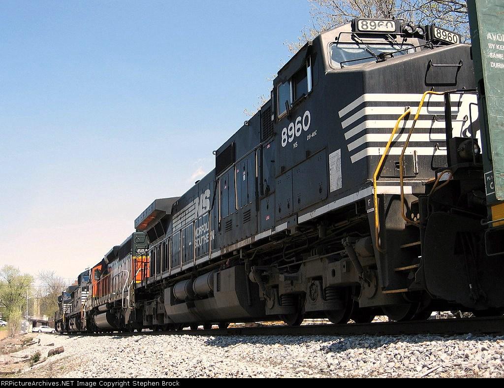 NS 8960, BNSF 6812, NS 9653 & 7553