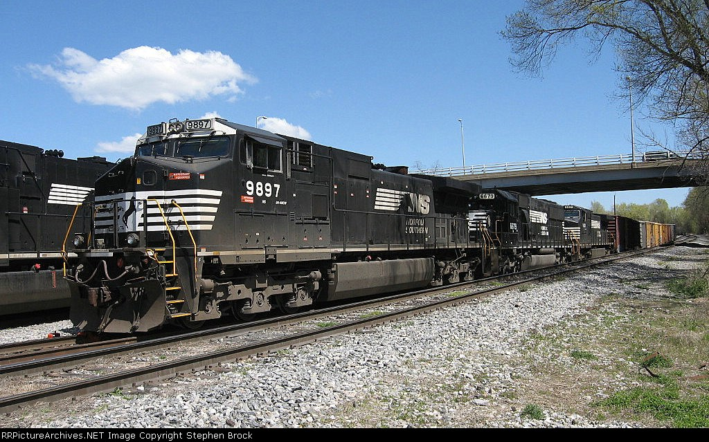 NS 9897 leads this weekend's trio