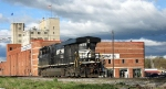 NS 7553 switching freight cars