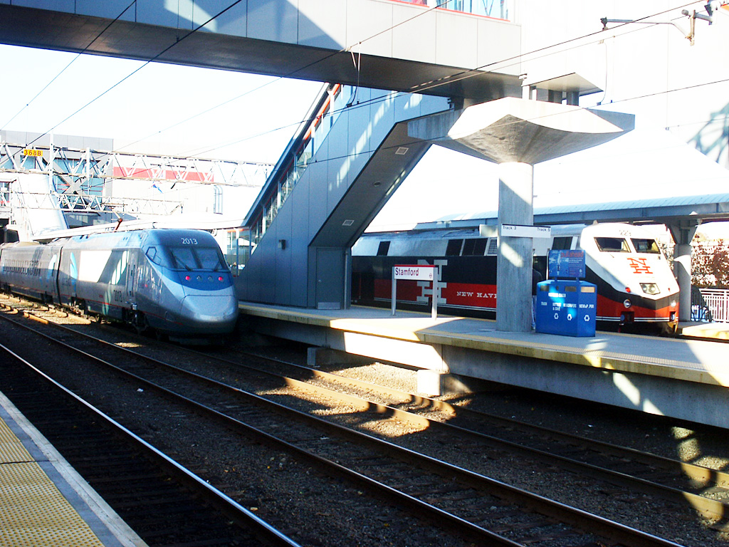 Acela Exp #2151 & M-N Train #1833