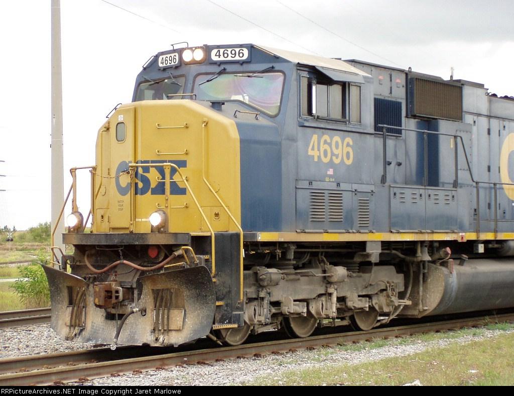 CSX 4696 at Agrock