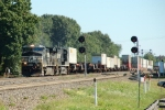 NS 9850 leads intermodal train