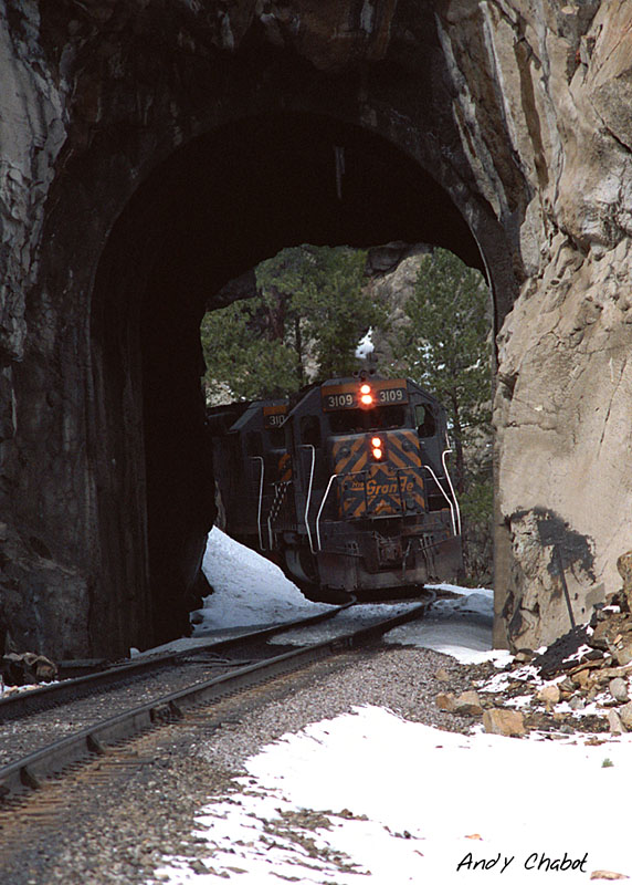 DRGW 3109 winding through the tunnels on the front range