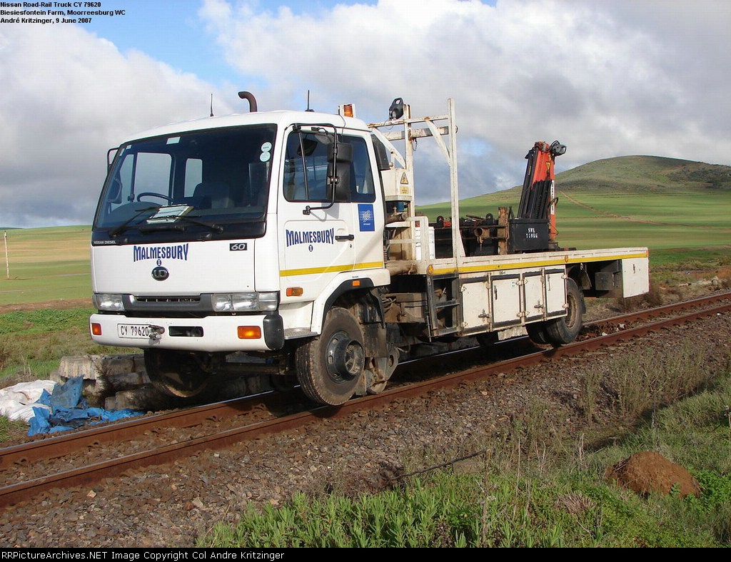 SAR RoadRailer (Nissan Truck)