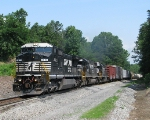 NS 8413 leadin' NS 175 Southbound