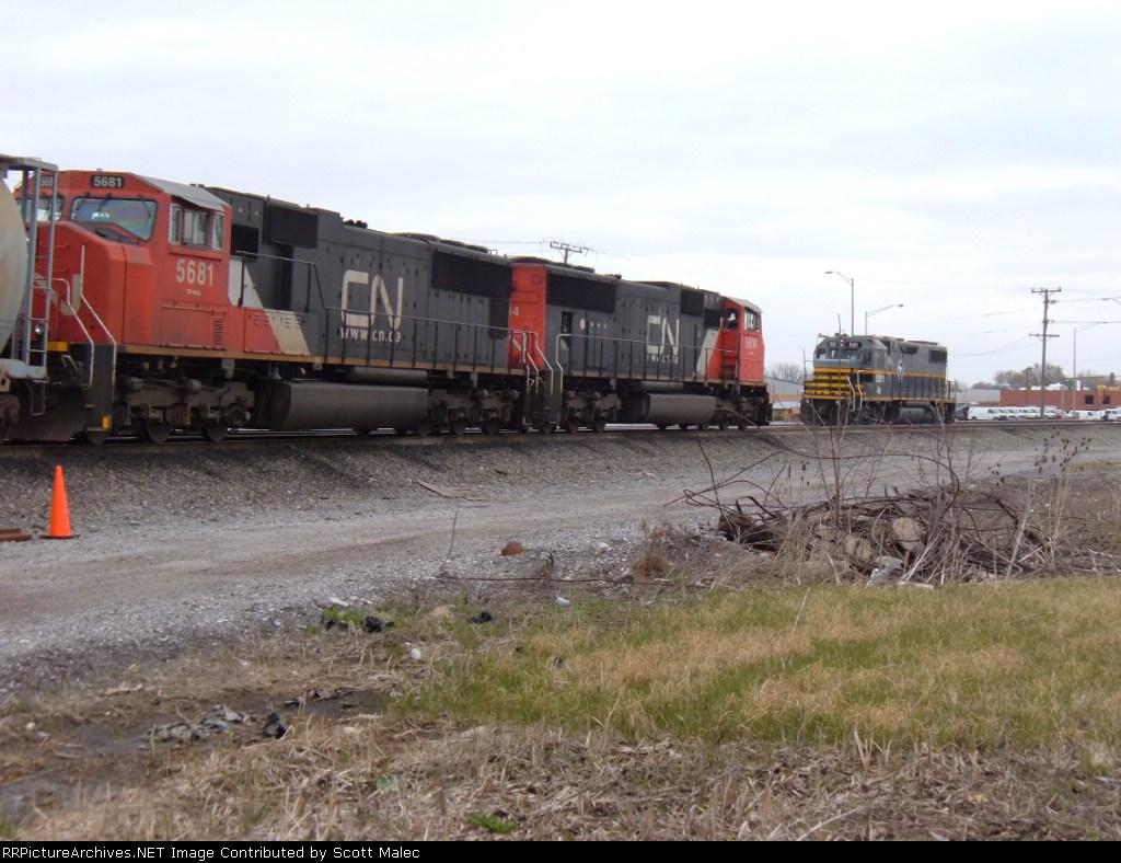 CN 5614 & 5681