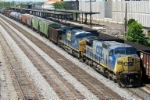 CSX 7663 leads northbound train Q650