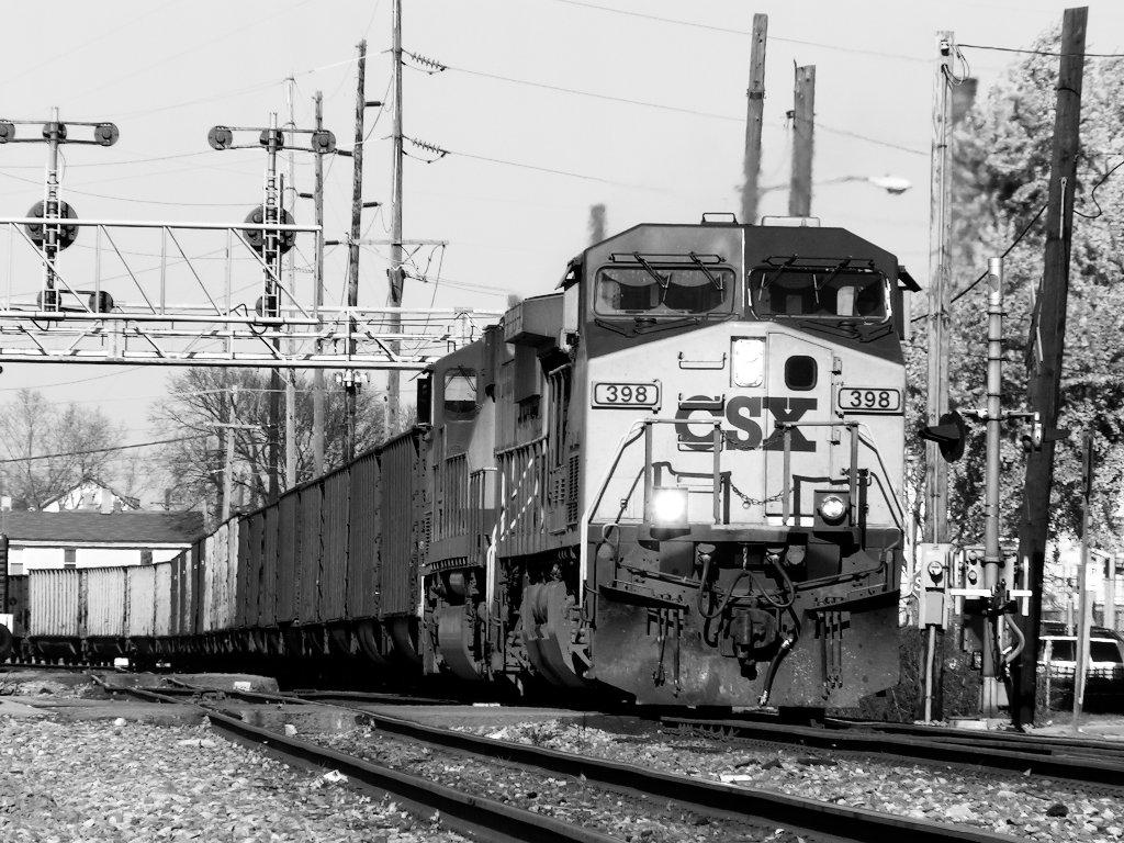 CSX 398 with s/b coal empties