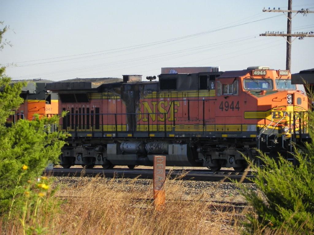 BNSF C44-9W 4944