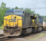 CSX 631 Hot On CSX 5370's Tail